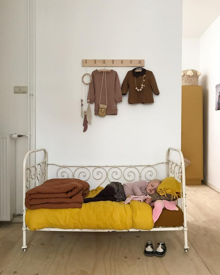 Cute kids daybed
