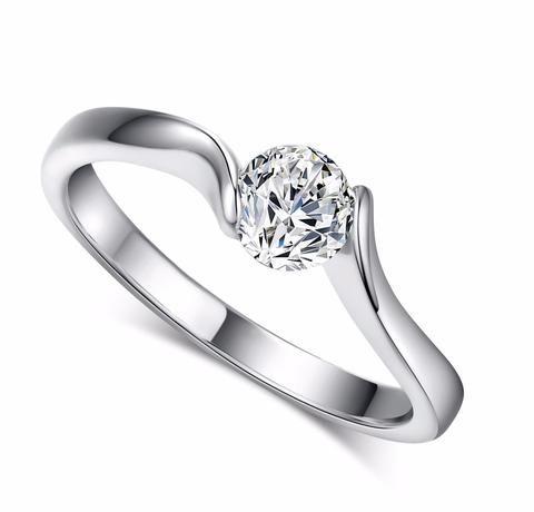 Beautiful Luxury Silver Ring