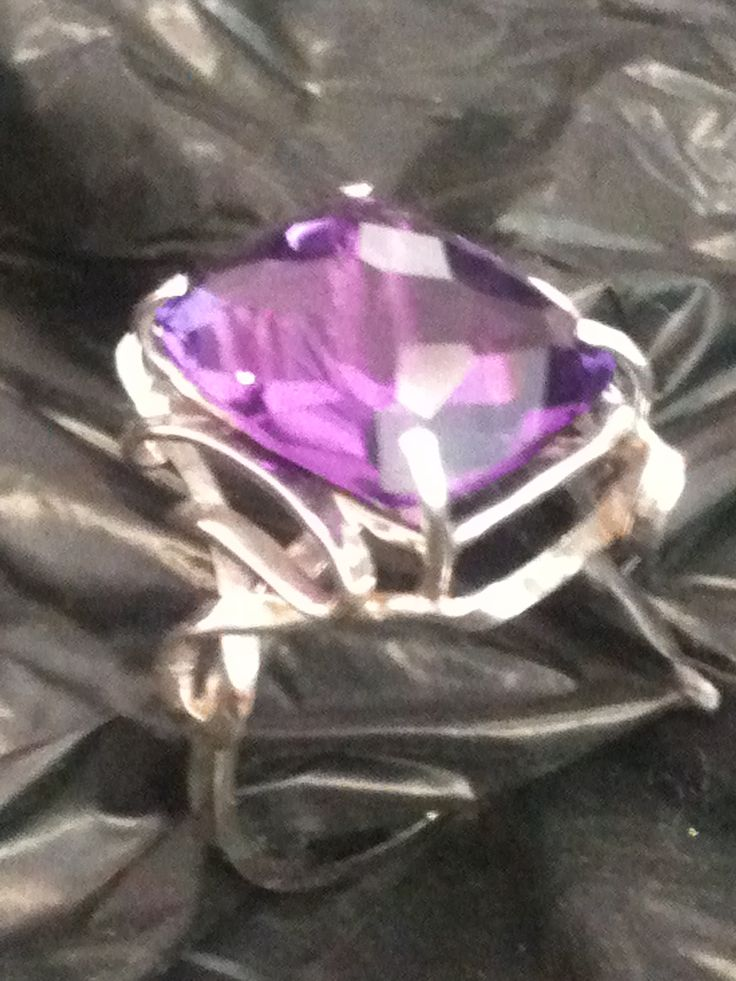 Ring in 18K white gold with amethyst quartz cushion cut antique ...
