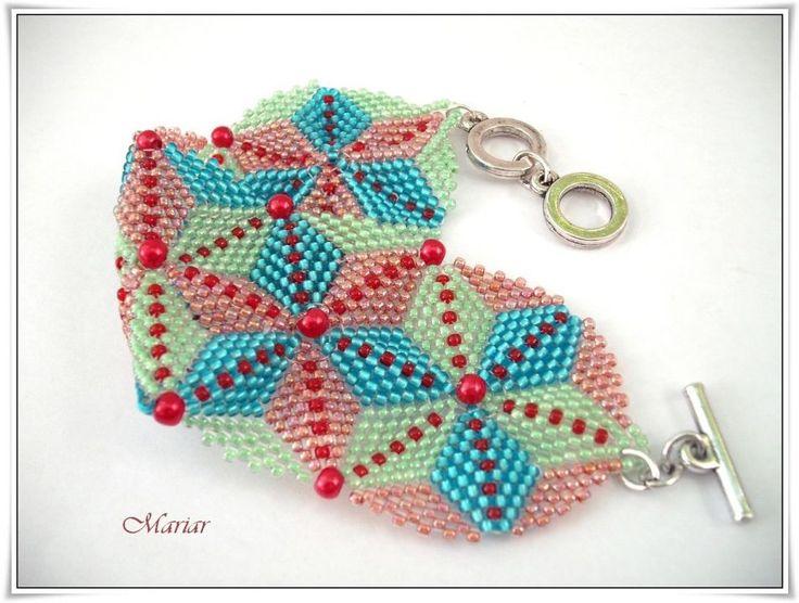 32 LEI   Bratari handmade   Cumpara online cu livrare nationala, din Braila. Mai multe Bijuterii in magazinul mariar pe Breslo.