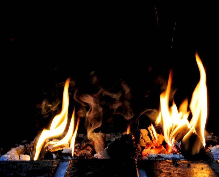 """40 To se mi líbí, 2 komentářů – Martin Kříž (@mmkriz) na Instagramu: """"#fire #flame #smoke #fireplace #czechrepublic #czech #photography #photo #ps_summertime…"""""""
