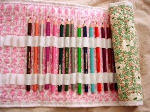 diy pencil roll-up! I want to make this for Laura! She would love it! Something great for her to take to church. Quieter than a purse full of them! lol