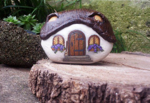 Painted Rocks       THATCHED ROOF COTTAGE              Limited Series  No.16 of 49