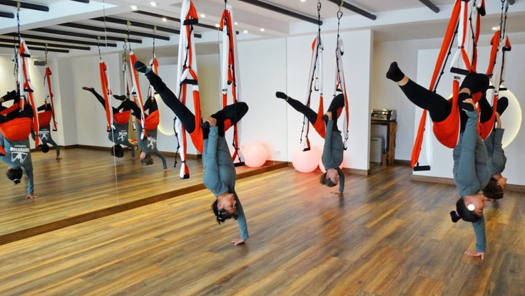 """Aeroyoga: la revolución del yoga"" esta semana en Mujer Country Magazine.  #aeroyoga #aerialyoga #aeropilates #pilates #yoga #columpio #yogaaerien #airyoga #fly #flying #gravity #yogaaereo #pilatesaereo #prensa #television #articulos #revistas #tendencias #moda #belleza #salud #ejercicio #tendenciasdeporte #tendenciasejercicio #tendenciasyoga #aeropilatescursos #aeropilatesbrasil #aeropilatesmadrid #aeroyogabuenosaires #aeroyogaargentina"