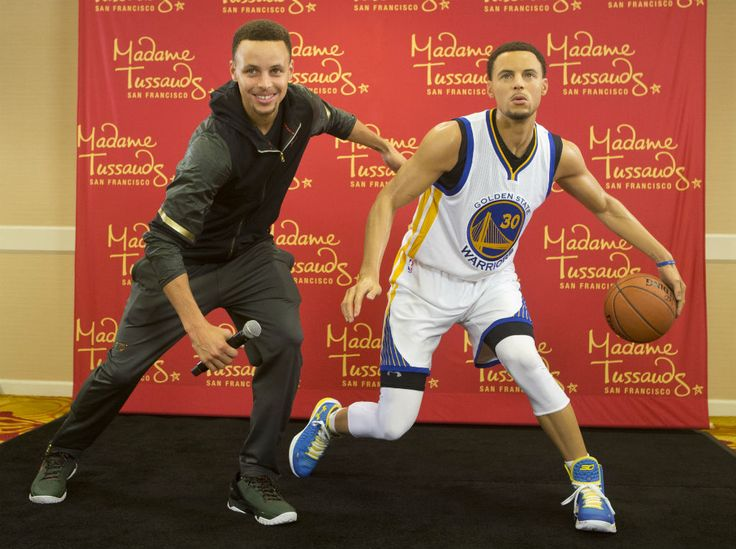 Golden State Warriors' Stephen Curry poses with his wax figure made by Madame Tussauds San Francisco located on Fisherman's Warf on March 24, 2016 in Oakland, California. (Photo by Beck Diefenbach/Getty Images for Madame Tussauds San Francisco)