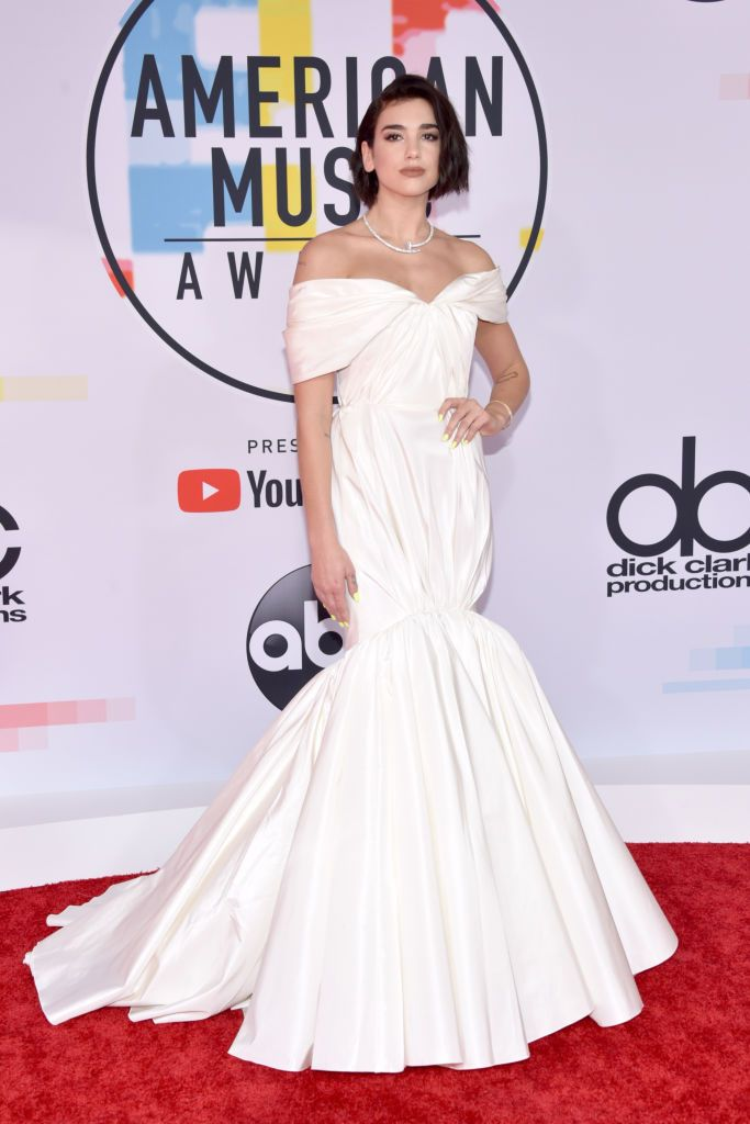27e8c7874 Dua Lipa attends the 2018 American Music Awards at Microsoft Theater ...