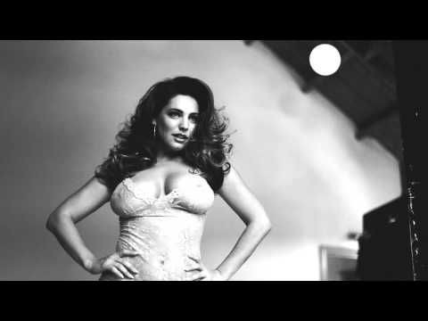 Kelly Brook 2015 Calendar Behind the Scenes - YouTube
