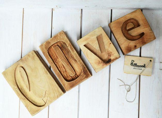 LOVE napis drewniany