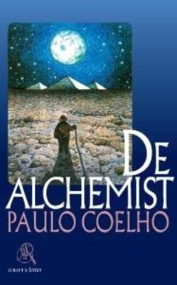 *** De Alchemist - Paulo Coelho #Esoterie #Romans [De jonge schaapherder Santiago heeft één grote wens: de wereld bereizen tot in alle uithoeken om zo uit te vinden hoe deze in elkaar zit. Zijn dromen over een verborgen schat zetten hem aan tot een zoektocht. Na veel omzwervingen ontmoet hij in Egypte de alchemist, die over grote spirituele wijsheid beschikt. De alchemist is een magische fabel, met de diepe wijsheid van een klassiek sprookje.]