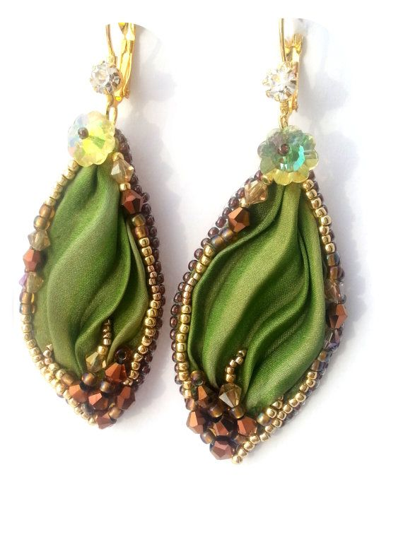 Autumn leaves - Embroidery Earrings shibori ribbon silk - Green Bronze