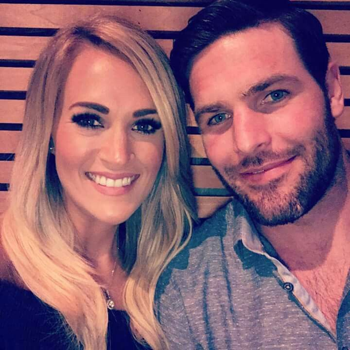 Carrie Underwood & husband Mike Fisher married 7 years on 6-10-2017