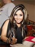 I'm thinking a hair change is in my near future. Love the dark with the chunky blonde streaks... #Snooki #hair