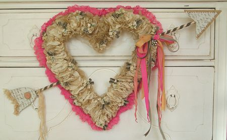 Would love to know how to make this fantastic Valentines wreath!Heart Crafts, Valentine Crafts, The Doors, Heart Wreaths, Andrea Singarella, Paper Heart, Front Doors, Valentine Wreaths, Ruffles Heart