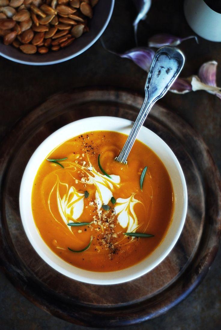 zupa krem z pieczonej dyni z rozmarynem