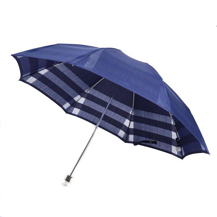 バーバリーより折りたたみ傘をご紹介します。 内側にはバーバリー感溢れるチェック柄がデザインされたオシャレな傘です。 詳細はこちら>http://bbl-shop.com/?pid=86950536