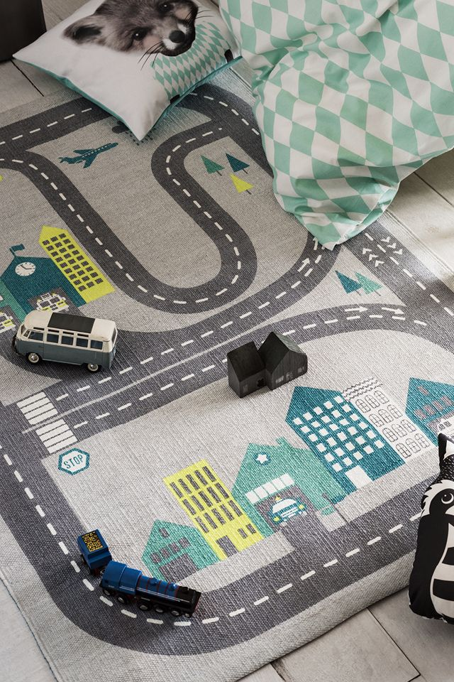 Bring patterns, soft toys and fun details to create a room your children will love.   H&M Home Kids