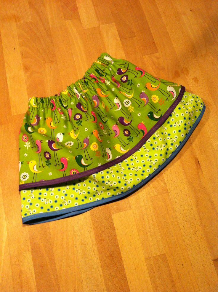 Alle Vögel sind schon da - herrlich diese Röcke mit Gummizug - nach einer Anleitung von danamadeit.com