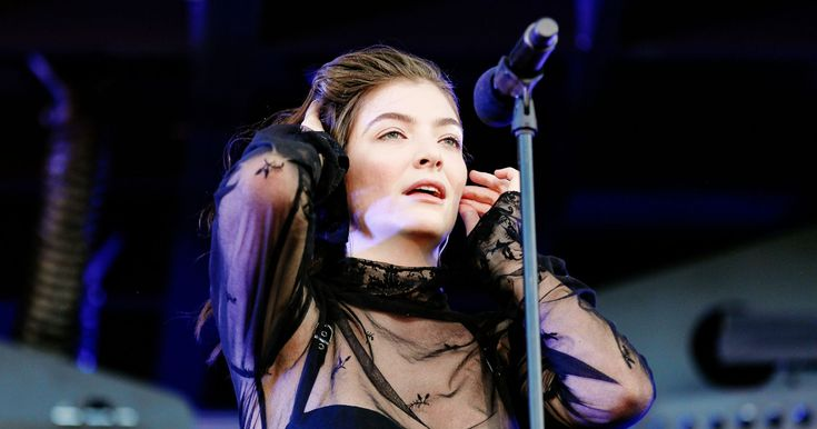 """The Inspiration Behind Lorde's New Song """"Sober"""" Is A Relatable Relationship Issue  http://www.refinery29.com/2017/06/158493/lorde-new-song-sober-meaning?utm_source=feed&utm_medium=rss"""