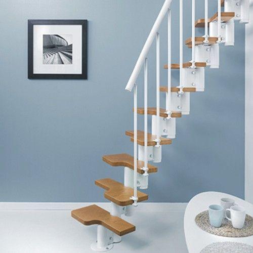 escaleras interiores en metal y madera para espacios reducidos