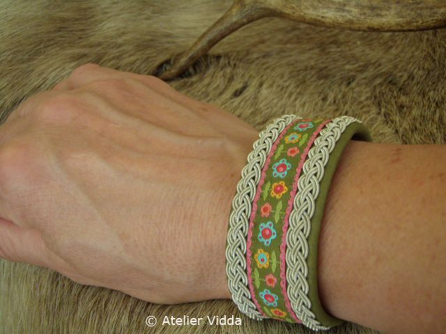 Super wide bracelet in Pure Olive combined with ribbon....