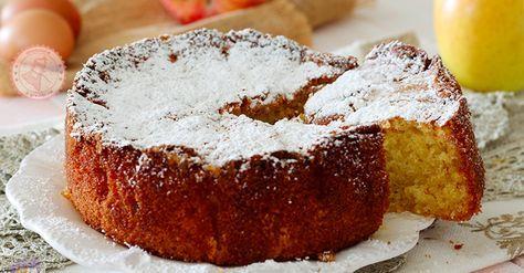 Torta di mele di Suor Germana una torta soffice, umida, facile da preparare e talmente buona che non ci volevo credere. Buona tiepida o fredda.