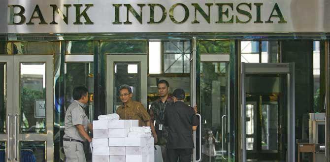 JAKARTA, (tubasmedia.com) – Komisi XI DPR mengagendakan rapat kerja bersama Gubernur Bank Indonesia, Agus Martowardojo. Namun rapat urung dilaksanakan karena mantan Menteri Keuangan tersebut tak hadir.
