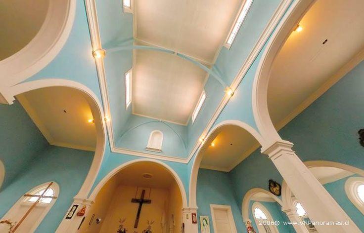 Interior de la iglesia de Sewell. Foto: Patricio Armijo http://chile.travel/donde-ir/santiago-y-alrededores/atractivos-del-valle-central/patrimonio-de-la-humanidad-sewell/