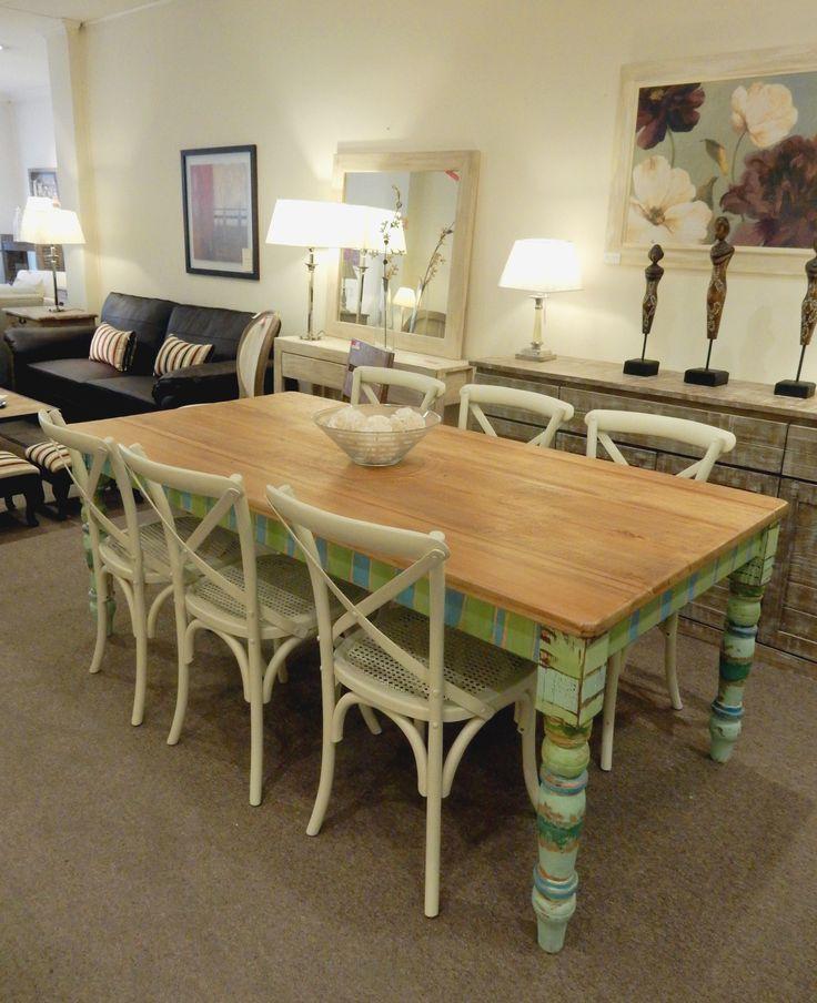 Mesa de comedor de estilo shabby chic muebles for Comedor shabby chic