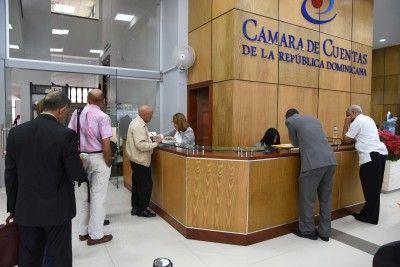 El 97% de funcionarios municipales y 105 diputados incumplen ley sobre declaración jurada