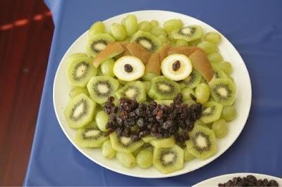 Oscar the Grouch Fruit Platter