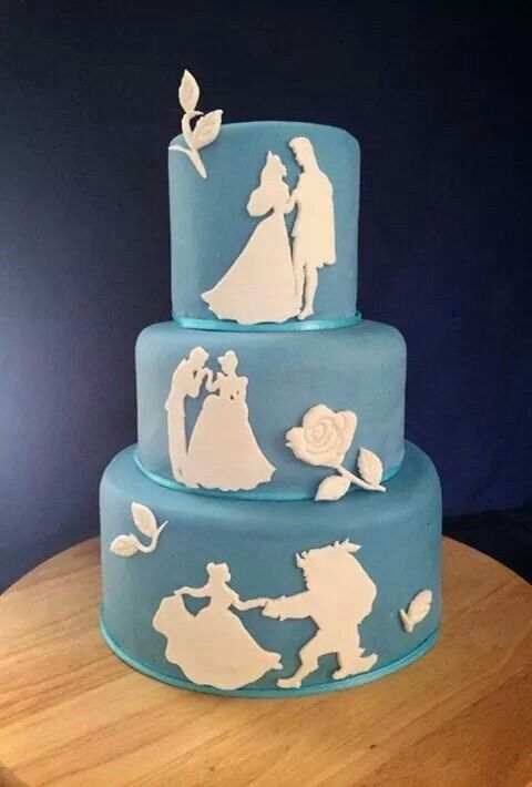 From The Little Mermaid to Sleeping Beauty and Wall-E, you're going to love these spectacular Disney cakes.