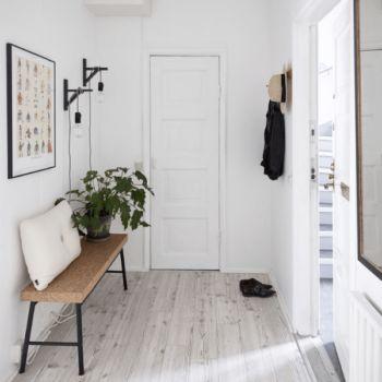 Warm Minimal Entryway Inspiration - Coco Lapine Design