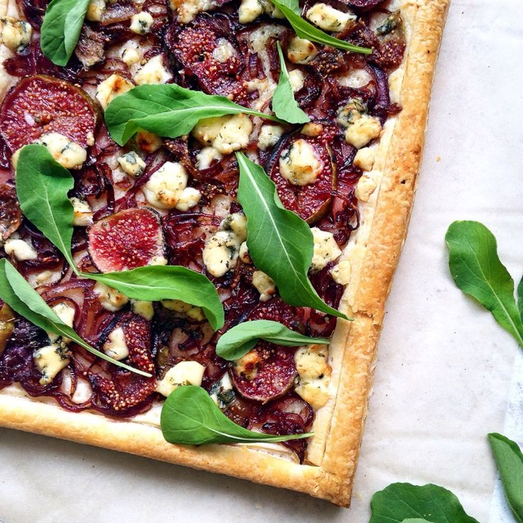 Fig, Caramelized Red Onion and Blue Cheese Tart by lusya on #kitchenbowl