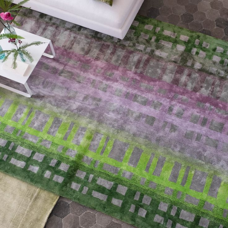 Colonnade Moss Rugs By The Leading Uk Furnishing Brand Designers Guild Features A Unique Blend Of Colours Which Create This Dramatic Stylish Ombré Checked