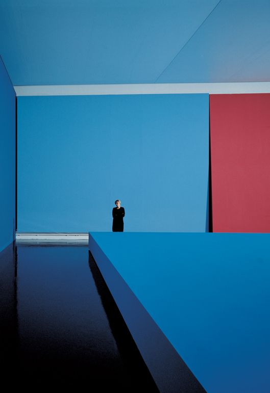 Minimalist Interior, interior color. Ettore Spalletti. exhibition view at Musée de Strasbourg, Strasbourg, 1998. photo: ATTILIO MARANZANO