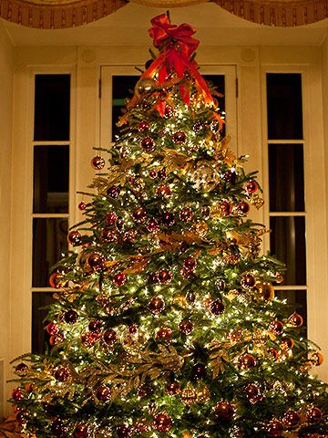 fresh ideas for classic christmas decorating - Classic Christmas Trees