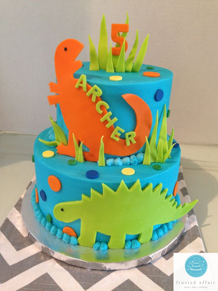 Dinosaur Buttercream Cake Boy Cakes In 2019 Dinosaur