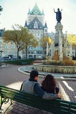 Dans la Ville de Québec, Capitale nationale de l'État du Québec, de nombreux monuments partout dans la ville