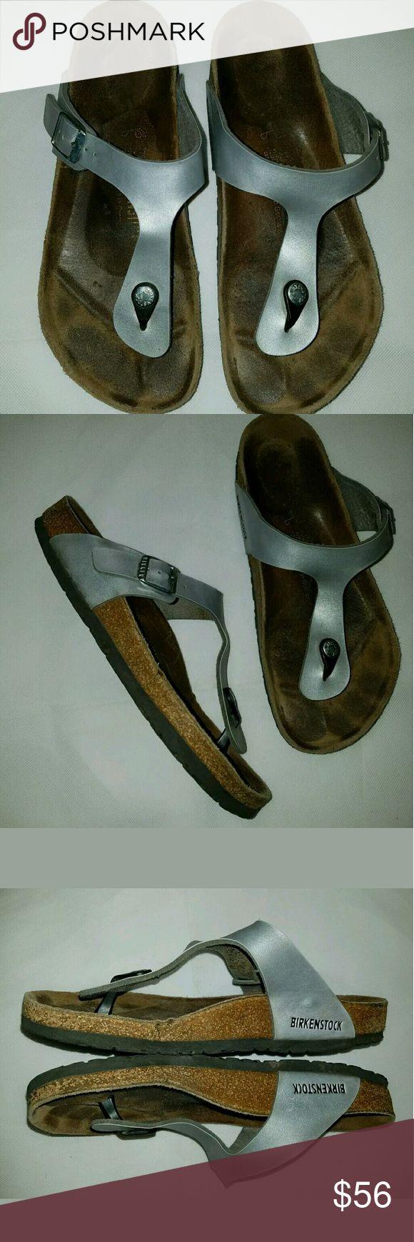 Birkenstock Gizeh Silver Flip Flop Sandals Birkenstock Gizeh Metallic Flip Flop Sandals Size 40 / 9.5 10  Shoes have some wear at soles. See pics.  ALB Birkenstock Shoes Sandals