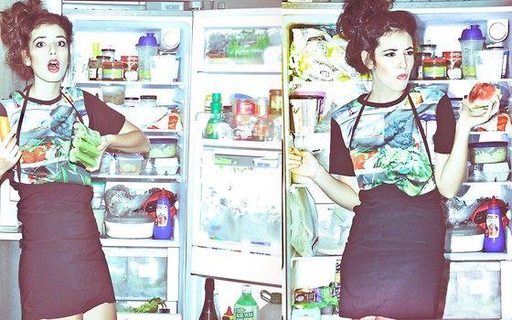 Fridge Shelves T, Black SkirtEllemay Leckenbi