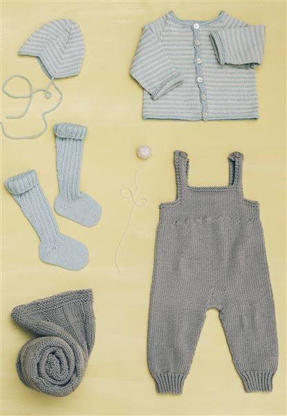 1415: Modell 7c-7d-7g-7i-7h Raglanjakke, hjelm, knestrømper, teppe, bukse med seler #baby #knit #strikk