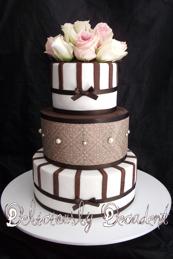 brown and white wedding cake 17 best images about wedding cake chocolate amp brown cakes 12189