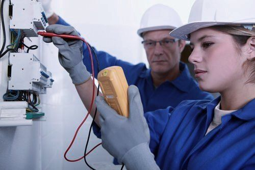 Our specialists at Eagle Electricians Gold Canyon offers high-quality electrical panels and installation services to ensure the smooth operation of electrical systems at your home or office. #GoldCanyonElectrician #ElectricianGoldCanyon #ElectricianGoldCanyonAZ #GoldCanyonElectricians #ElectricianinGoldCanyon