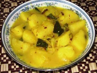 POTATO CURRY http://srilankans.com.au/sri-lankan-recipes/vegitable/potato-curry