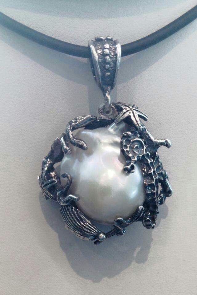 Pendente in Argento 925  e perla barocca creato da Bottega Artigiana Orafa