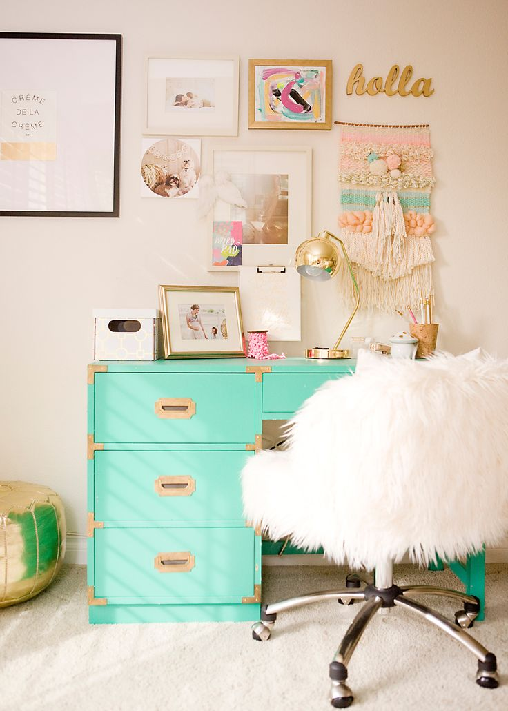 Desk Inspiration: Teal Accent
