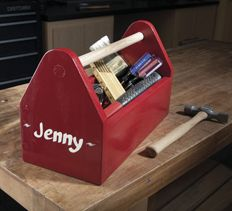 This easy-to-build project from HandymanClub.com makes a perfect kid's toolbox, gardener's tote, craft bin or even a magazine rack.