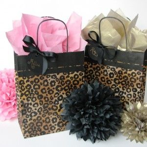 Luxury leopard party bag pack. Perfect for leopard parties, leopard baby showers, leopard birthday, leopard wedding or even leopard christmas party. Available with gold or pink tissue paper.