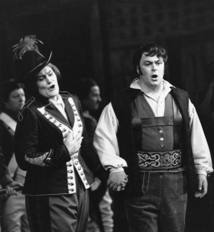 Luciano Pavarotti and Joan Sutherland in Donizetti's La Fille du Regiment at Covent Garden, London. c.1966