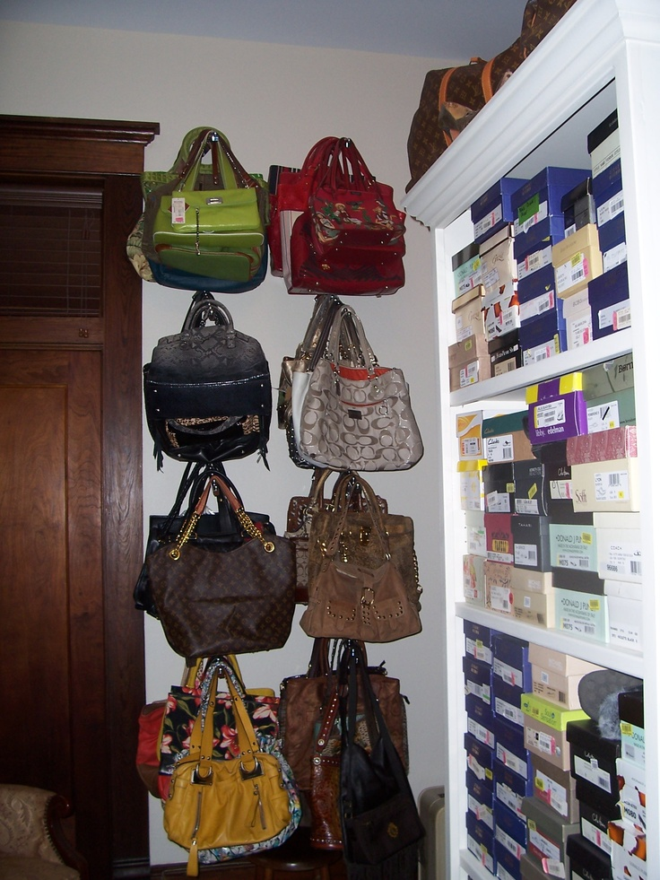 Hanging purses for multiple purses on on rod